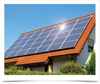 Panel surya tenaga matahari dan angin